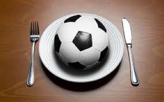 Chế độ dinh dưỡng trong bóng đá