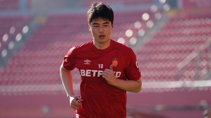 Ki Sung-Yueng là cầu thủ xuất sắc của xứ Kim Chi