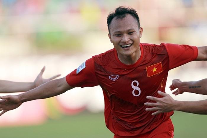 Nguyễn Trọng Hoàng hiện giờ đang chơi cho Viettel và đội tuyển vương quốc Việt Nam