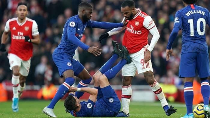 Chelsea và Arsenal là đối thủ gay gắt của nhau từ trước đến nay