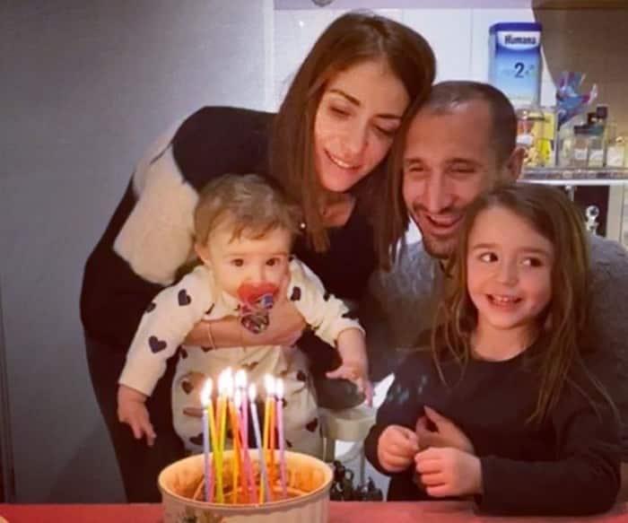 Giorgio Chiellini cùng vợ và 2 con